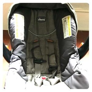 Chicco infant car seat with base